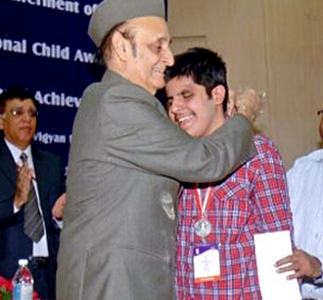 Visually challenged Kartik Sawhne (now a sophomore at Stanford Uiversity) 